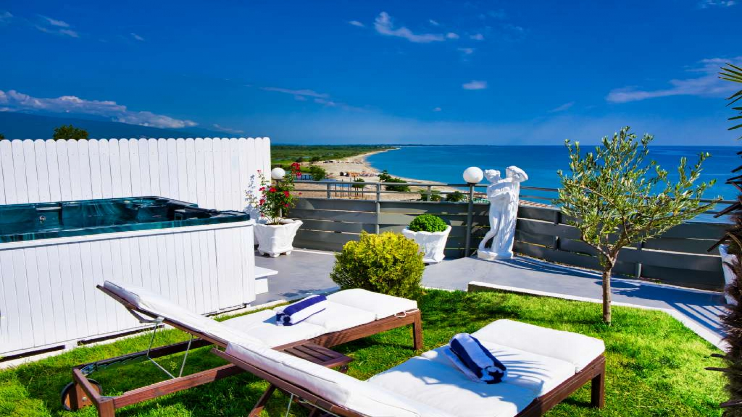 AQUA SUITE - Panoramic Sea View - Private Garden - Heated Mini Pool