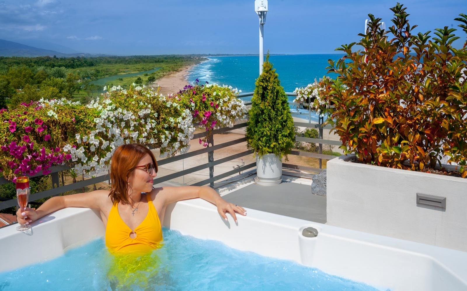 DREAM SUITE - Panoramic Sea View - Hot Tub - Rooftop Garden - Heated Mini Pool