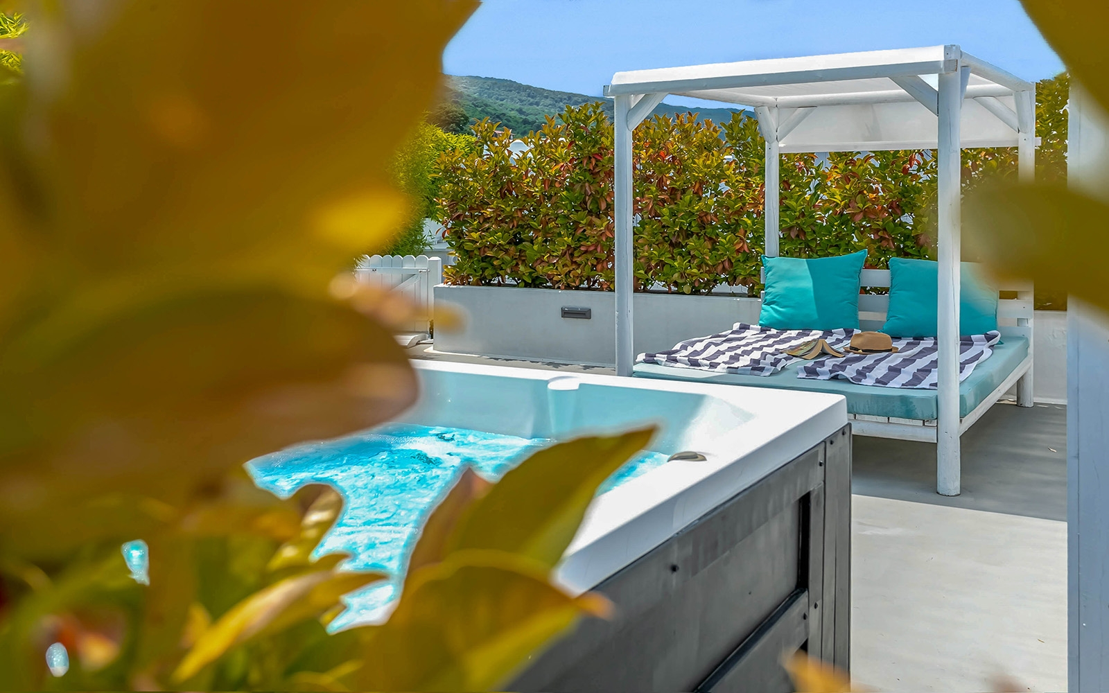 AROMA SUITE - Panoramic Sea View - Hot Tub - Rooftop Garden - Heated Mini Pool